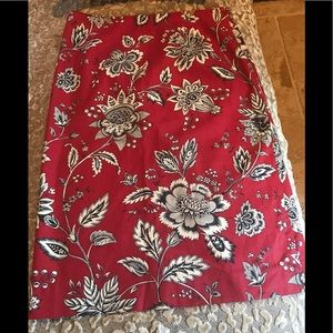 Deep red high quality skirt with black and cream